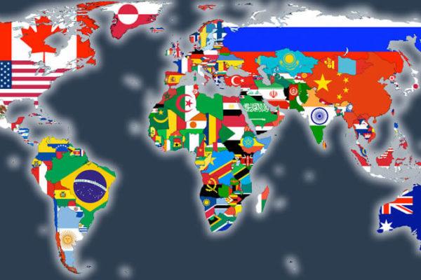 Carte du monde représentant les différents pays avec leurs drapeaux.
